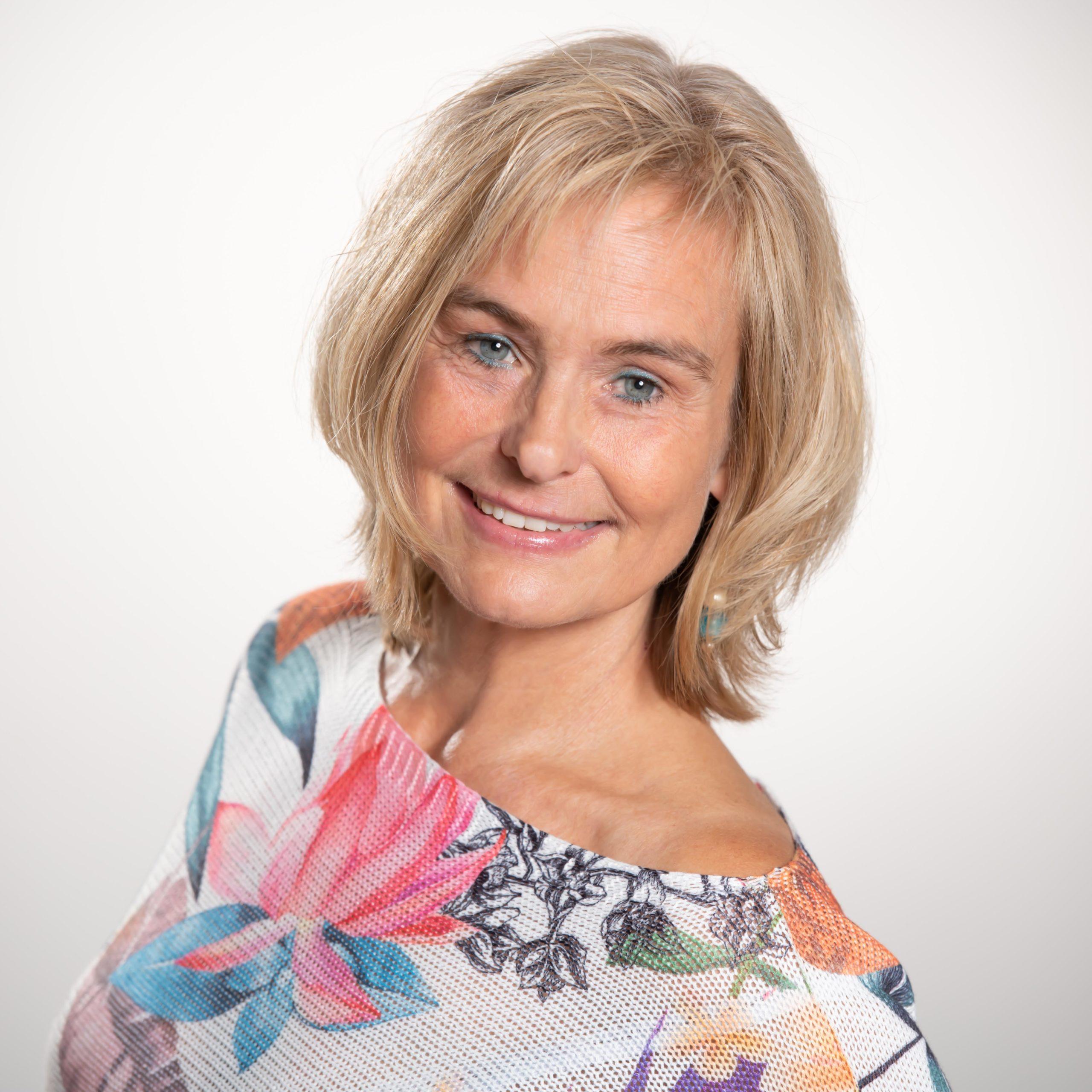 Cornelia Brucks Portrait Physiotherapie Frankfurt PhysioVital